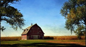 Here Are 12 More Beautiful Old Barns In Iowa