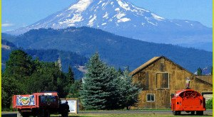 You Will Fall In Love With These 15 Beautiful Old Barns In Oregon