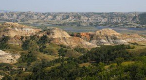 These 10 Gorgeous State Parks In North Dakota Will Knock Your Socks Off