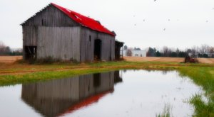You Will Fall In Love With These 23 Beautiful Old Barns In Virginia