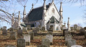 9 Disturbing Cemeteries In Indiana That Will Give You Goosebumps