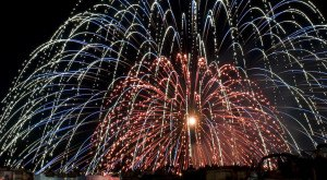 15 Fireworks Shows In Iowa That Will Blow You Away