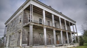 10 Truly Haunted Places Throughout Louisiana