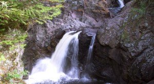 These 10 Hidden Waterfalls In Minnesota Will Take Your Breath Away