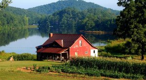 These 13 Charming Farmhouses In Georgia Will Make You Love The Country