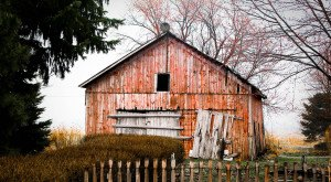You Will Fall In Love With These 12 Beautiful Old Barns In Indiana
