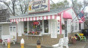 These 10 Ice Cream Shops In Iowa Are Sure To Satisfy Your Sweet Tooth