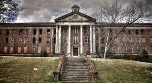 This Creepy Asylum In Georgia Is Still Standing…And Still Disturbing