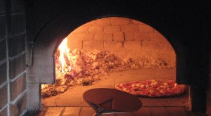 These 10 Pizza Joints In Iowa Will Make Your Mouth Water