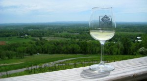 These 12 Beautiful Wineries And Vineyards In Virginia Are A Must-Visit For Everyone