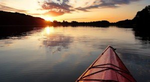 10 Unforgettable Spots To Go Kayaking And Canoeing In Iowa