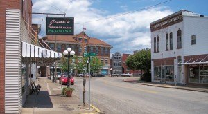 Here Are The 10 Most Beautiful, Charming Small Towns In Kentucky