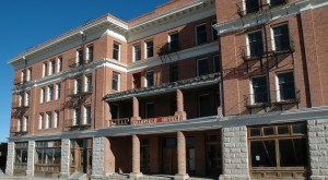 These 10 Haunted Hotels In Nevada Will Make Your Stay A Nightmare