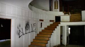 The Before And After Photos Of This Abandoned Pennsylvania Mansion Will Shock You