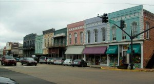 Here Are 7 of The Most Beautiful, Charming Small Towns In Mississippi