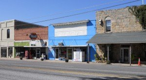 Most People Don't Know These 12 Super Tiny Towns In Alabama Even Exist