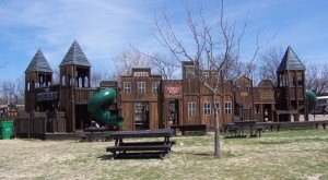 8 Amazing Playgrounds In Oklahoma That Will Make You Feel Like A Kid Again