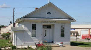 Most People Don't Know These 11 Super Tiny Towns In Iowa Exist