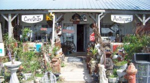 You Can Find Amazing Antiques At These 18 Places In Missouri