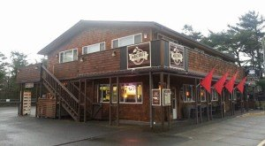 Most People Don't Know These 8 Small Towns In Oregon Have AMAZING Restaurants