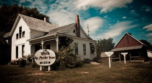 These 10 Terrifying Places In Iowa Will Haunt Your Dreams Tonight
