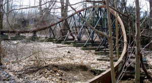 What's Left Of This Abandoned Amusement Park In Ohio Is Downright Creepy