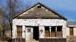 10 Creepy Houses In Arizona That Could Be Haunted