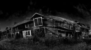 These 12 Haunted Houses In Oklahoma Will Terrify You In The Best Way