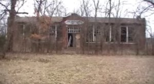 The 9 Most Terrifying, Spooky Places To Visit In Oklahoma This Halloween