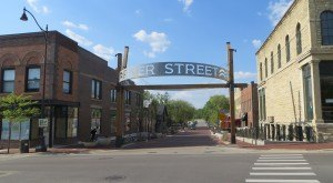 Most People Don't Know The Meaning Behind These 15 Illinois Towns