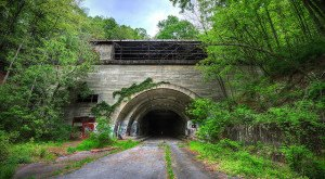 Pennsylvania 's Abandoned Turnpike Is An Eerily Awesome Relic