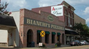 These 12 Pizza Places In Mississippi Are So Good That Your Mouth May Explode