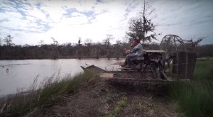 If You've Never Taken An Airboat Ride In Louisiana, You're In For Something Awesome
