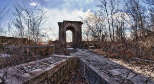 The Truth Behind This Abandoned Missouri Castle Is Captivating