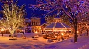 Here Are The Top 10 Christmas Towns In Washington. They're Magical.