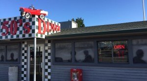 These 16 Awesome Diners In Arizona Will Make You Feel Right At Home