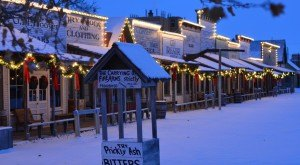 Here Are The Top 12 Christmas Towns In Kansas. They're Magical.