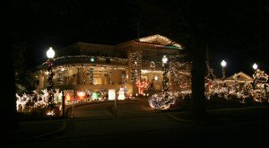 These 10 Houses In Nevada Have The Most Incredible Christmas Decorations