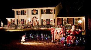 These 8 Houses In Tennessee Have The Most Unbelievable Christmas Decorations