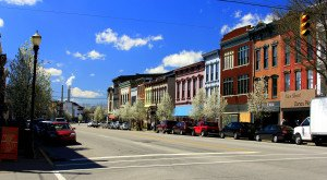 10 Towns In Indiana That Have The Best Main Streets You Gotta Visit