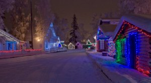 These 8 Places In Alaska Have The Most Unbelievable Christmas Decorations