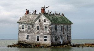 10 Abandoned Places In Maryland That Nature Is Reclaiming