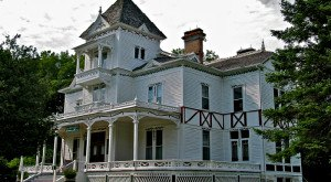 These 17 Terrifying Places In Vermont Will Haunt Your Dreams Tonight