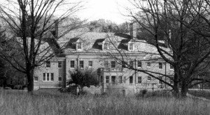 These 9 Hauntings In Michigan Will Send Chills Down Your Spine