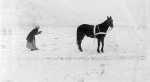 14 Vintage Photos Depicting The Evolution Of Colorado Skiing