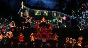 These 10 Houses In Washington Have The Most Unbelievable Christmas Decorations