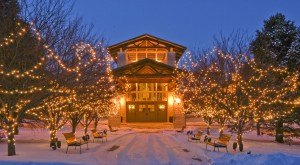 Here Are The Top 12 Christmas Towns In Nebraska. They're Magical.