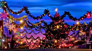 Here Are The Top 10 Christmas Towns In Oklahoma. They're Magical.