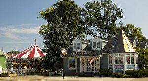 Why Everyone In Ohio Should Visit This One Tiny Town