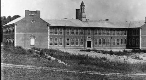 Tennessee Schools In The Early 1900s May Shock You. They're So Different.